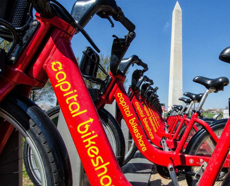 Met de handige stadsfietsen van Capital Bikeshare kun je heel Washington DC ontdekken op de fiets