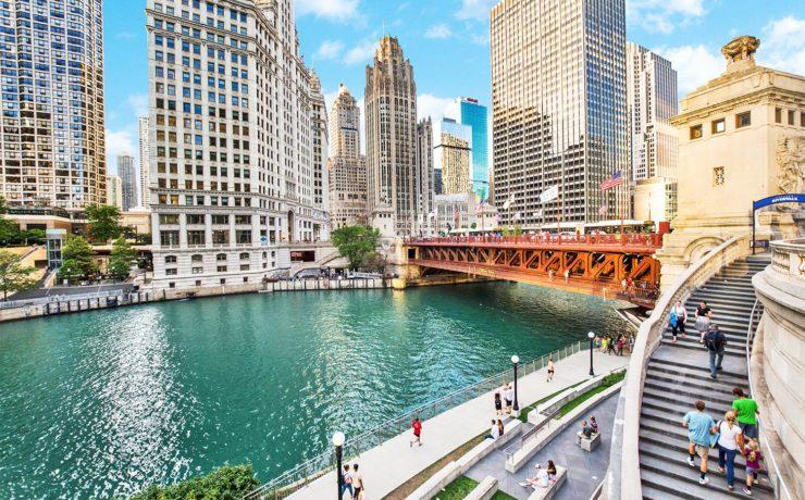 De Chicago Riverwalk promenade