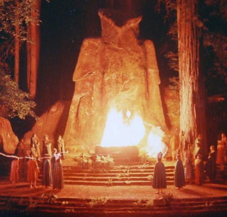 Het duistere, geheime genootschap Bohemian Grove